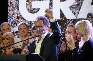 """Scioli: """"Voy a ayudar en lo que sea a Macri"""""""