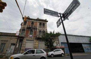 La histórica casa Cingolani de barrio Candioti sigue olvidada