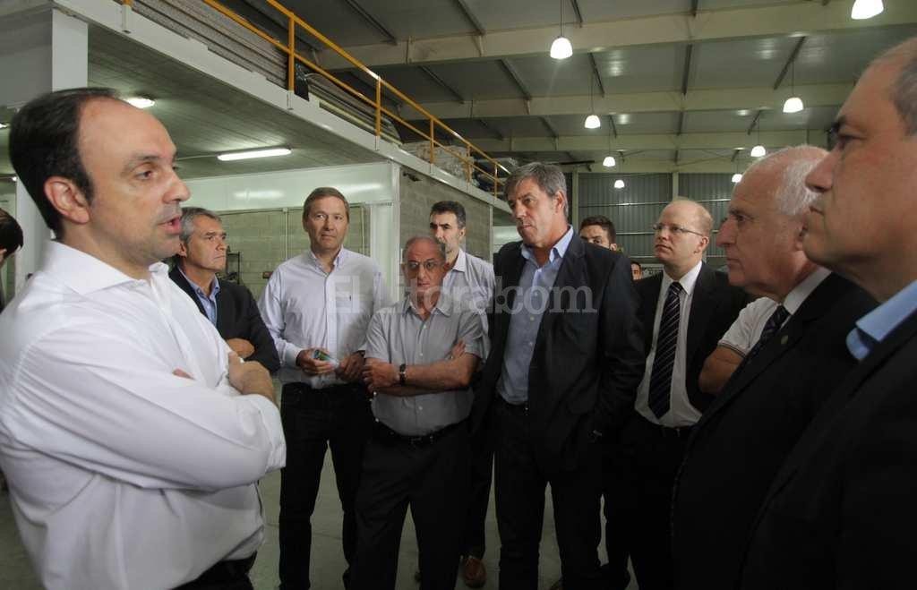 Juntos. Los mandatarios se reunieron en las instalaciones de la firma industrial Obra Tec y recorrieron luego Asistotel. Crédito: Pablo Aguirre