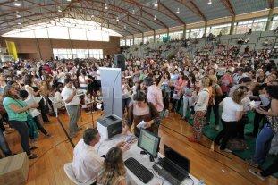 Unos 450 docentes de la regi�n  titularizaron sus cargos