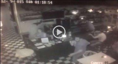 Video: d�a de furia en un comedor de Buenos Aires
