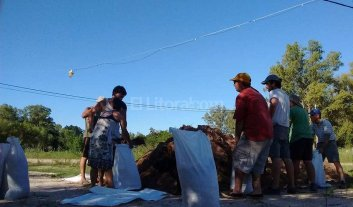 Inundación: levantan un muro en Rincón Norte