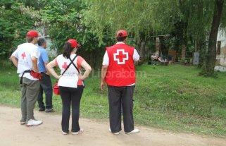Cientos de santafesinos reciben el Año Nuevo evacuados