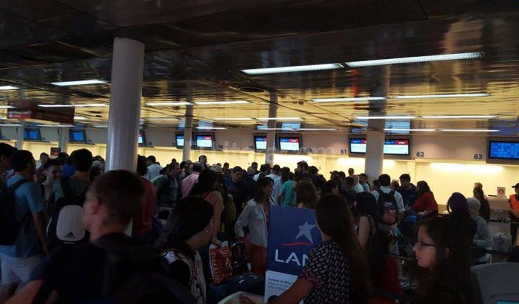 Malestar en los pasajeros por las cancelaciones <strong>Foto:</strong> Archivo.
