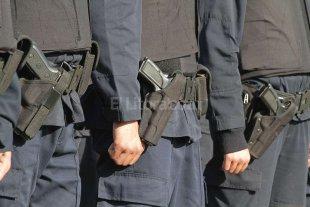 Abonan los ascensos 2013 del personal policial y penitenciario