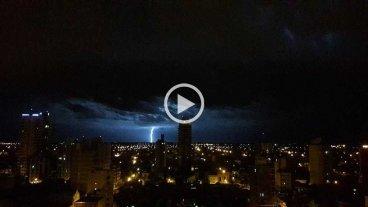 Video: un drone film� la previa de la tormenta en Santa Fe