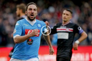 24 goles en 24 fechas: Higua�n goleador absoluto en Italia