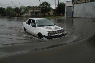 La tormenta provoc� cortes de energ�a en Santa Fe y Santo Tom�