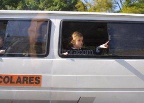 El transporte escolar arranca con un piso de 900 pesos