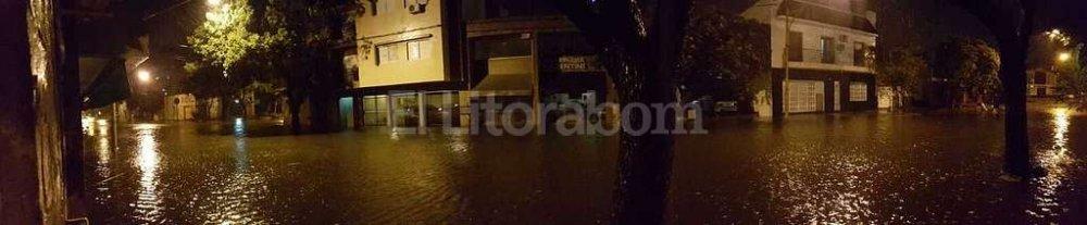 Viviendas y calles inundadas tras el �ltimo temporal, en Candioti Sur