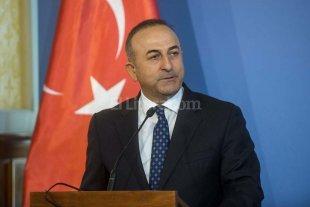 Arabia Saudí enviará aviones de combate a base en Turquía - Mevlut Cavusoglu, canciller turco
