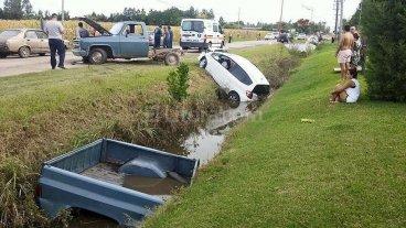 Violento accidente termin� con un auto en la banquina