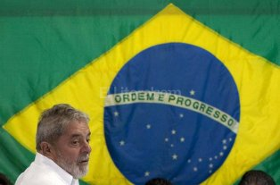 Lula es detenido por la policía brasileña