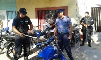 Fuerte operativo contra desarmadero de motos