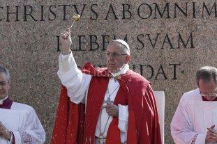 En el inicio de la Semana Santa, el Papa pidió por los refugiados