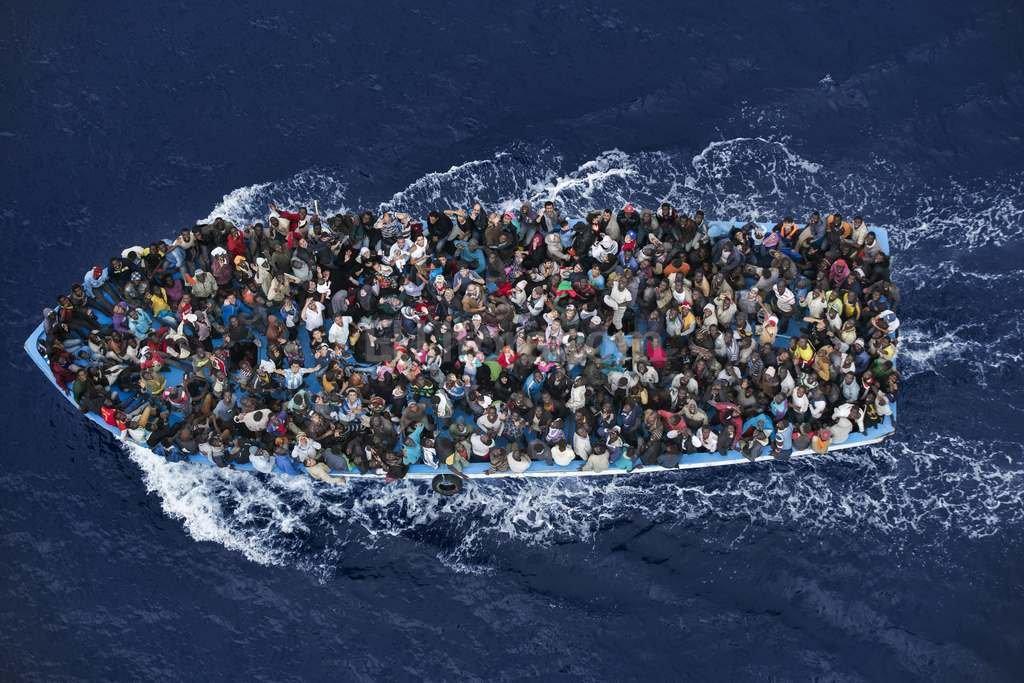 Naufragio en el Mediterráneo: más de 300 desaparecidos