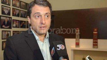 Intendente de Bandera se redujo el sueldo un tercio y lo destinó a pagar asignaciones familiares