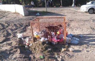 En Colastin� piden mejores cestos de basura