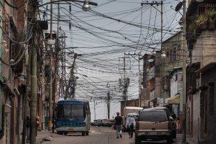 En Venezuela s�lo trabajan lunes y martes por crisis energ�tica