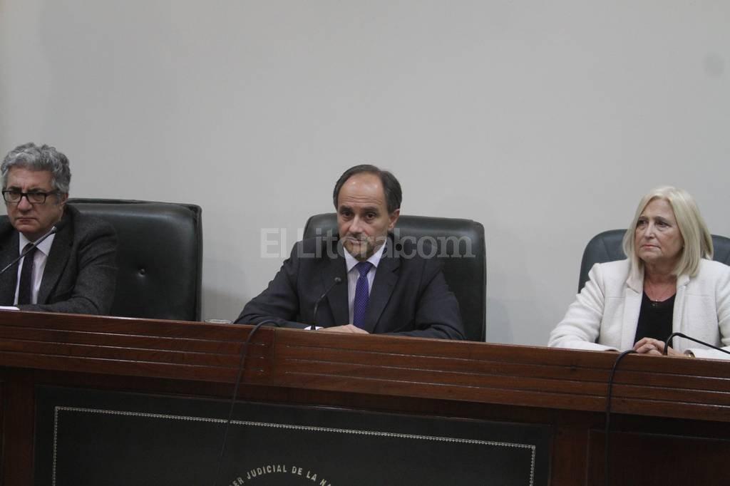 El tribunal condenó también al ex policía Perizzotti a prisión perpetua; y a los militares Morales (a 22 años) y Pavón (a 13 años). Guillermo Di Salvatore