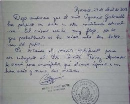 """""""Se�or Rat�n P�rez: certifico que  Ignacio perdi� el diente en la escuela"""""""