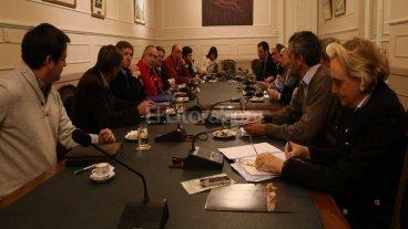 Positiva reuni�n del Comit� de Relocalizaci�n del Puerto de Santa Fe