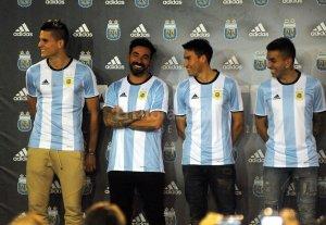 La Selecci�n jugar� en San Juan, C�rdoba y Buenos Aires
