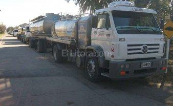Camioneros entregarán gratuitamente 10 mil raciones de leche -