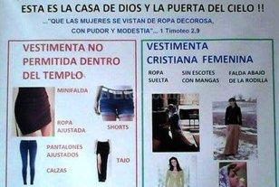 Un cura prohibió a las mujeres ingresar a la iglesia con jeans