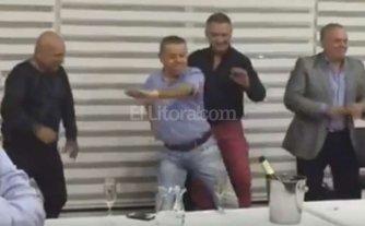 Oyarbide bail� una coreograf�a en un asado con el Sindicato de taxis porte�o