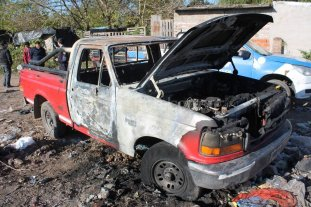 Camioneta incendiada