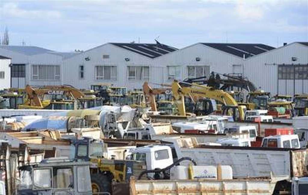 Resultado de imagen para Piden las máquinas de Báez para las FFAA.
