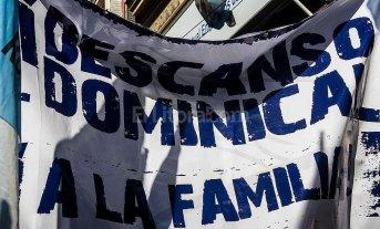Descanso dominical: supermercados rosarinos despiden personal