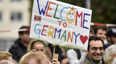 Aprueban en Alemania primera ley para la integraci�n de los refugiados