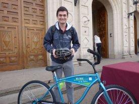Para achicar gastos de movilidad urbana, entregan bicicletas a estudiantes