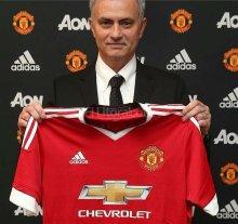 Mourinho es el nuevo entrenador del Manchester United