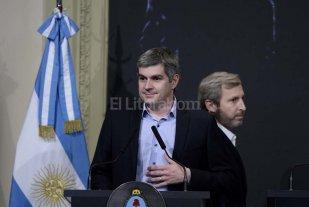 Marcos Pe�a y Jos� Corral presentan el Plan de Viviendas
