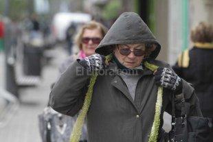 Gorro, bufanda y guantes: estiman 5� para el mi�rcoles