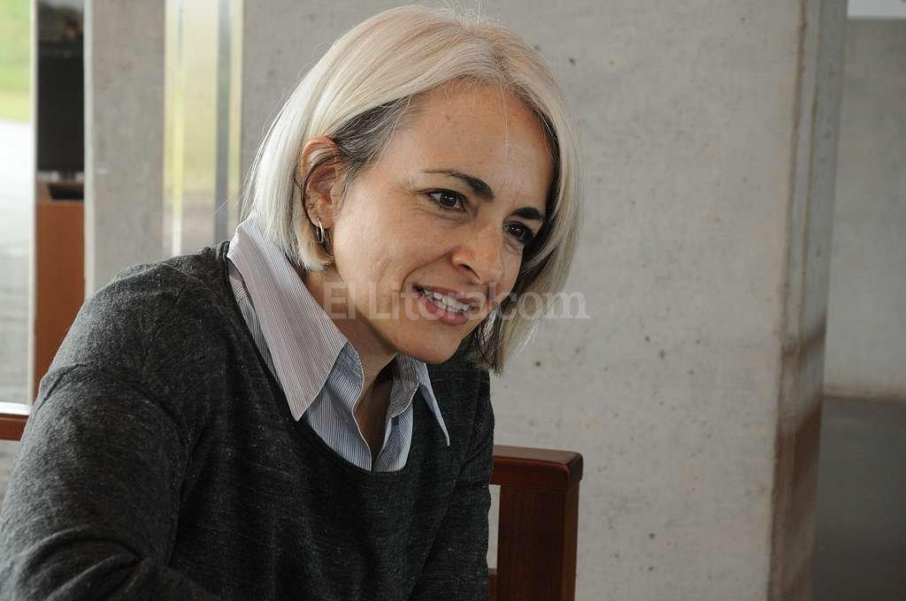 Adriana Amado disertó en la 3ª Jornada de Ciencias Políticas del Litoral organizada por la UNL. Crédito: Guillermo Di Salvatore