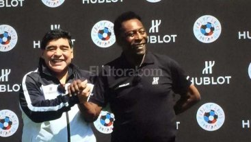 Video: el ca�o de Maradona a una se�ora divierte a las redes sociales