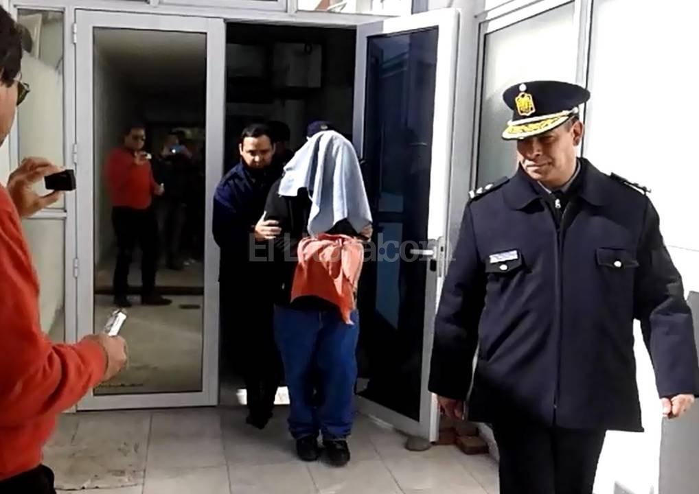 El juez Berzano impuso restricciones al párroco, que ayer recuperó la libertad. <strong>Foto:</strong> Agencia Reconquista