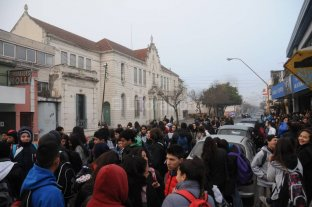 Amenaza de bomba en tres escuelas