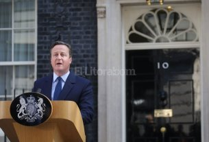 "El primer ministro Cameron renuncia tras triunfo del ""Brexit"""