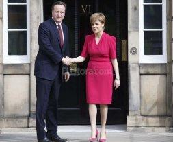 Escocia quiere quedarse en UE y pide un plebiscito para separarse de Gran Breta�a