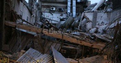Una fuerte explosi�n en un laboratorio en Rosario provoc� cinco heridos