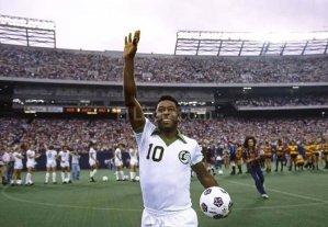 Messi anunció su renuncia en el mismo sitio donde se retiró Pelé