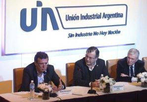 La UIA alert� por la apertura a las importaciones