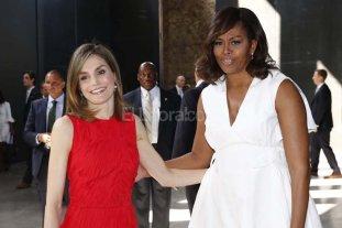 Michelle Obama insta a luchar por la igualdad de las mujeres