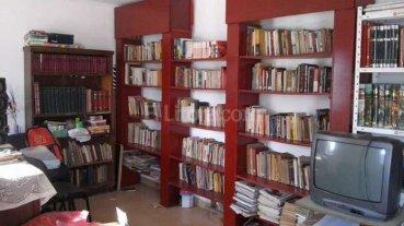 La inundaci�n de 2003 sepult� una biblioteca; hoy los libros renacen