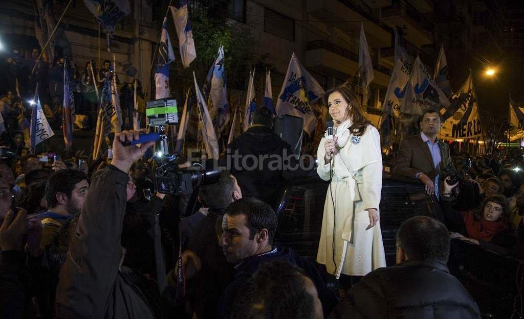 Cristina habló con la militancia en Recoleta por el Bicenteario